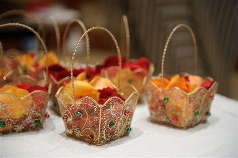 67 best images about gift wrap ideas on Pinterest   Dubai