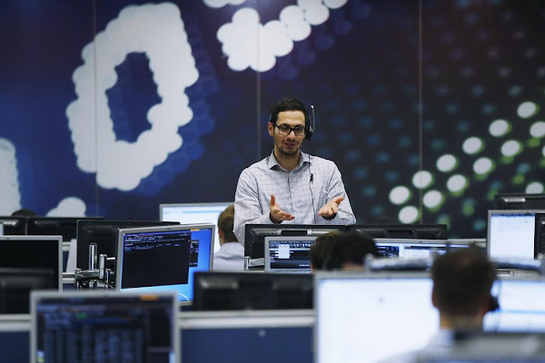 9b1b3efc0 Banks lift FTSE 100 as trade optimism reigns  Ted Baker rallies