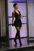 Halle Berry Minivestido Con Botas Mosqueteras