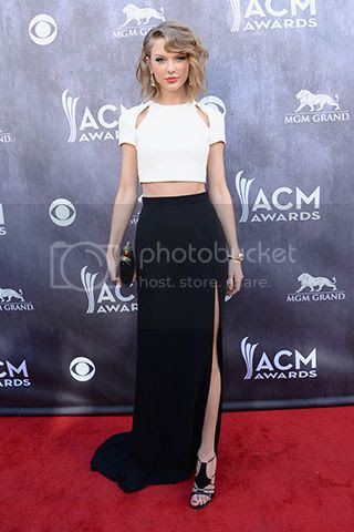 photo taylor-swift-acm-awards-2014-dress_zpsa17f111b.jpg
