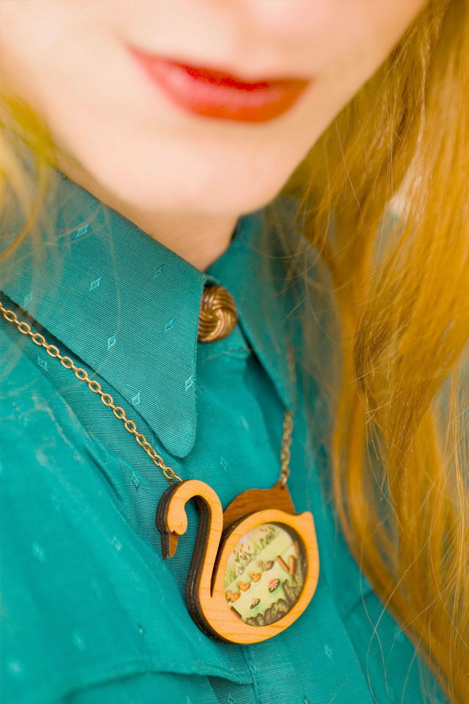fairytale-necklaces-scenes-inside-laliblue-gemma-arnal-jerico-8