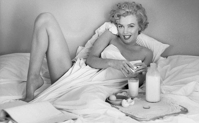 Intimate photos of Marilyn Monroe show her love of food