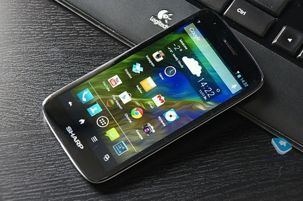 Sharp Aquos SH930W reviewed early in Russia, mates Sharp's 1080p screen with a midtier phone