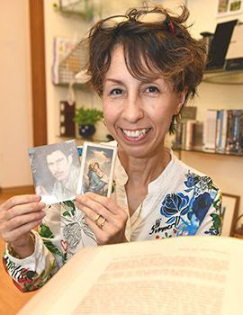Born before Okinawa's reversion to Japan, Michiko Oshiro will be reunited with her ex-Marine father at his grave
