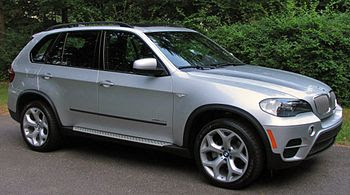 English: 2011 BMW X5 xDrive 35d. Diesel versio...
