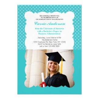Scallop Edge Modern Photo Graduation Invitation