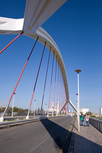Puente de la Barqueta, Sevilla, Spain, by jmhdezhdez