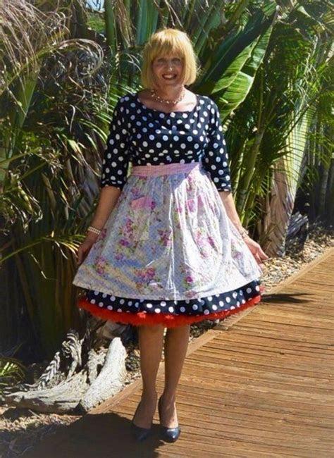 dress  apron crossdresser housewife   men