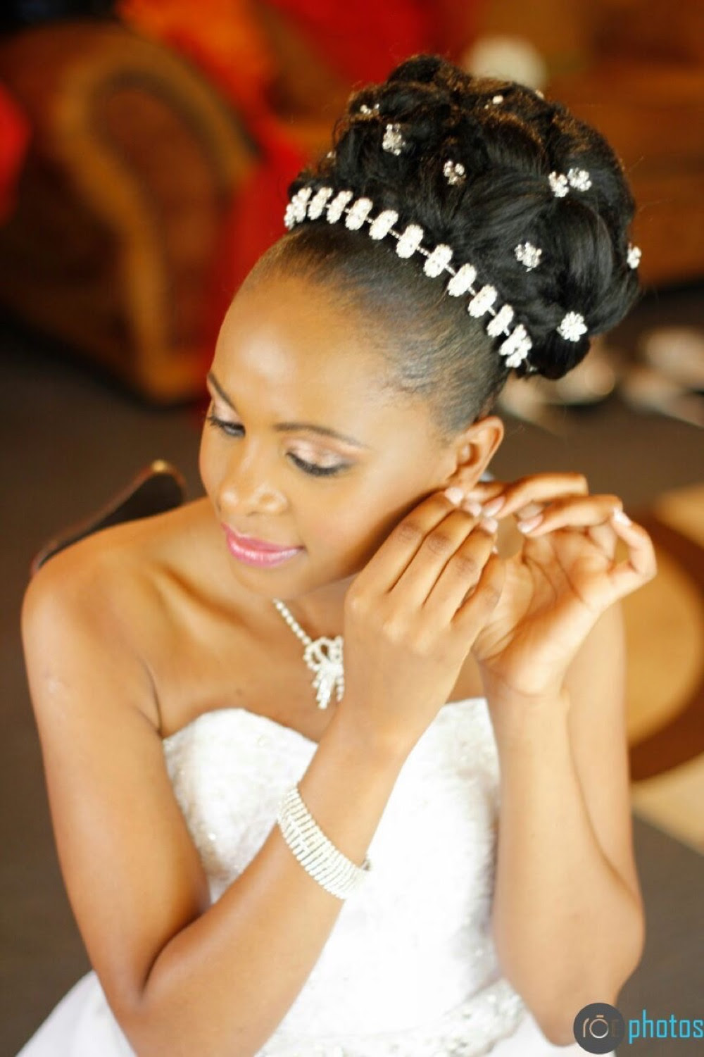 hairstyles for beautiful wedding: bridesmaids hairstyles