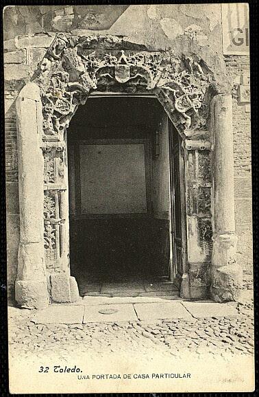 Fachada del Palacio de los Señores de Peromoro en su primitivo emplazamiento en la Calle del Instituto.Foto Lacoste hacia 1903