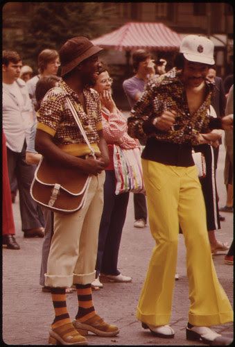 Far-Out Style Setters Groove to Music of Fountain Square Band 06/1973