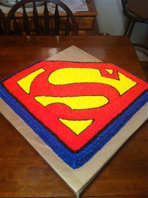 1000  ideas about Superman Birthday Cakes on Pinterest