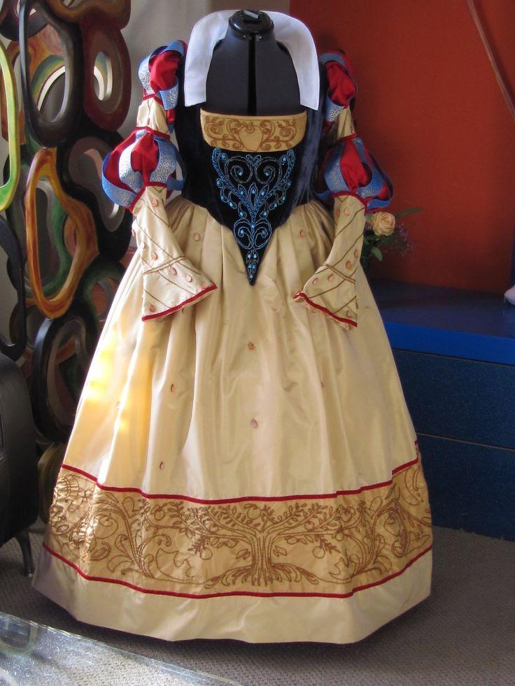 Historical Snow White by TwilaTee.deviantart.com on @deviantART