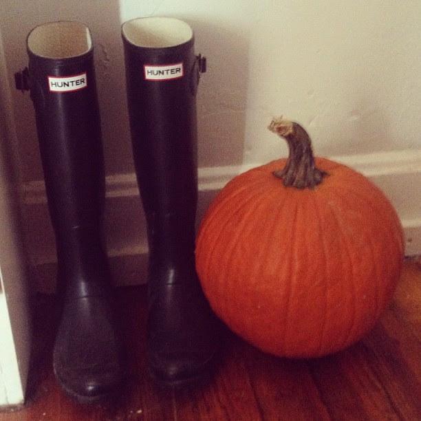 It's fall, y'all! - #pumpkin #wellies