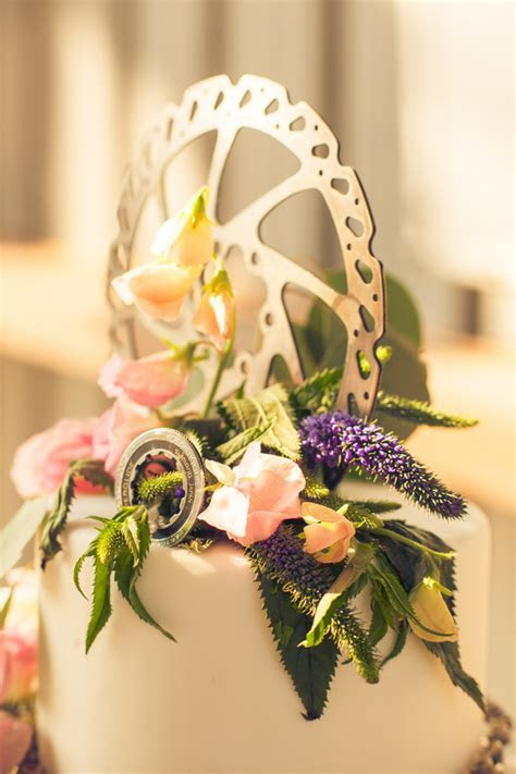 A Mountain Bike Industrial Themed Wedding Shoot   Kate