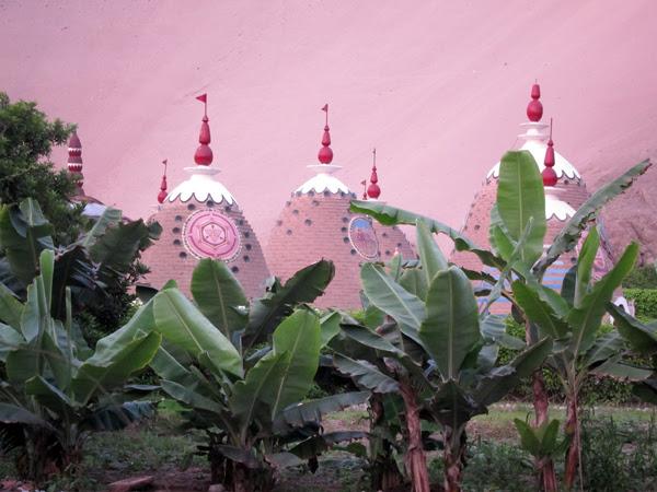 Los trulys un Truly Park Hare Krishna Comunidad Eco Fuera De Lima, Perú