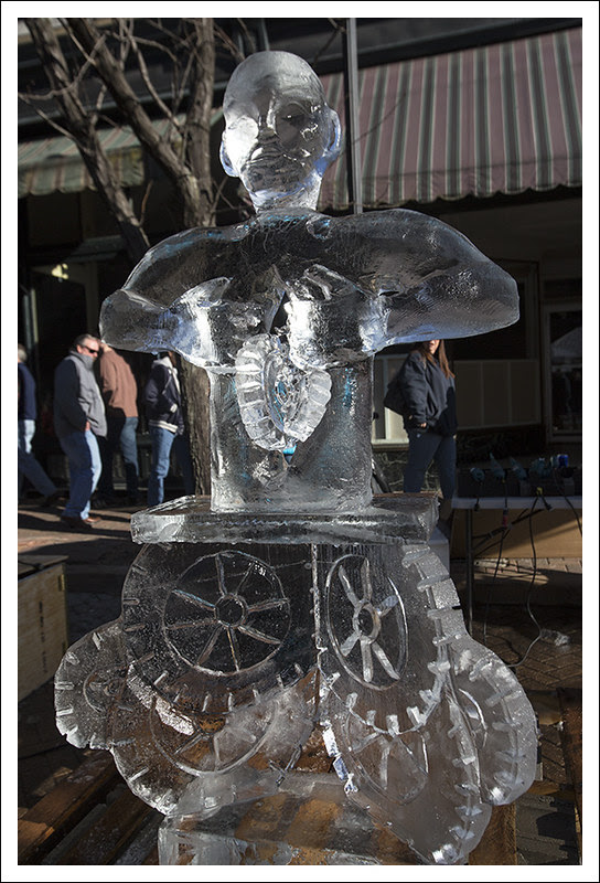 Ice Carving in St Charles 2013-01-26 12