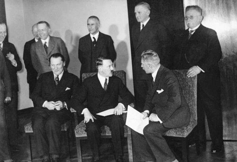 File:Bundesarchiv Bild 102-15348, Reichskabinett Adolf Hitler.jpg