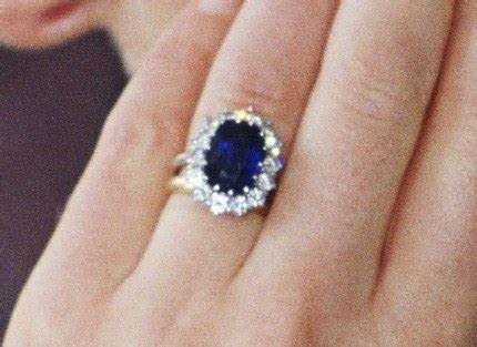 Kate Middleton's Engagement Ring! I Have Pictures!   Glamour