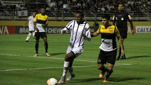Jocinei marca dois e Bragantino bate o Criciúma