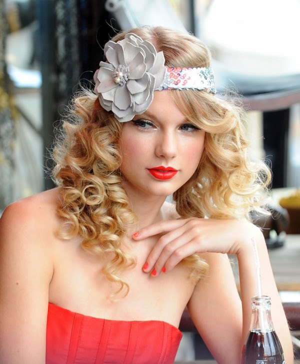 new soft curly hairstyles for prom 2011 600x727 Elegant Christmas Hairstyle Ideas