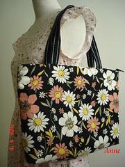 黑底印花背袋-4