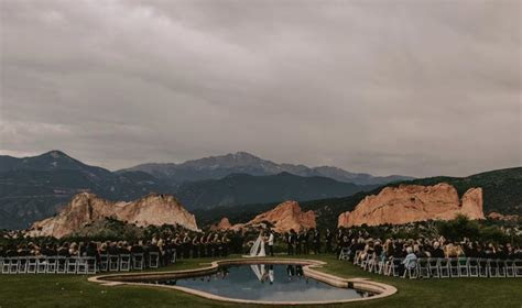 A Simple and Modern Wedding At Garden of the Gods Club and