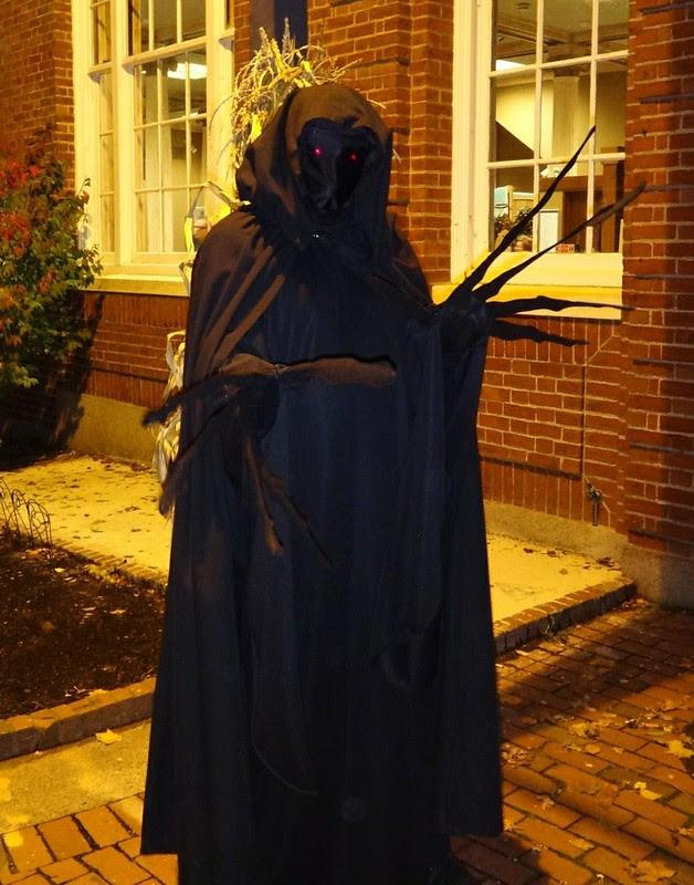 Halloween Salem Creep