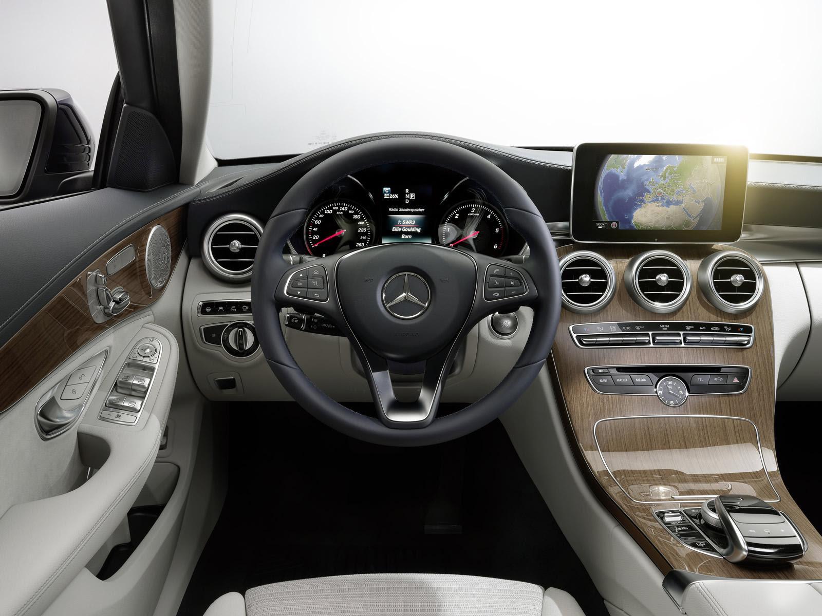 2014-Mercedes-Benz-C-Class-interior - ForceGT.com