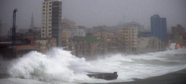 Μεγάλες καταστροφές προκάλεσε και στην Κούβα ο τυφώνας Ιρμα (Φωτογραφία: AP/ Ramon Espinosa)