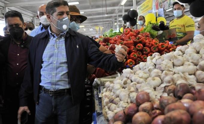 """MINISTRO DE AGRICULTURA: """"ESTAMOS TOMANDO MEDIDAS PARA MITIGAR IMPACTO DE PRECIOS INTERNACIONALES"""""""
