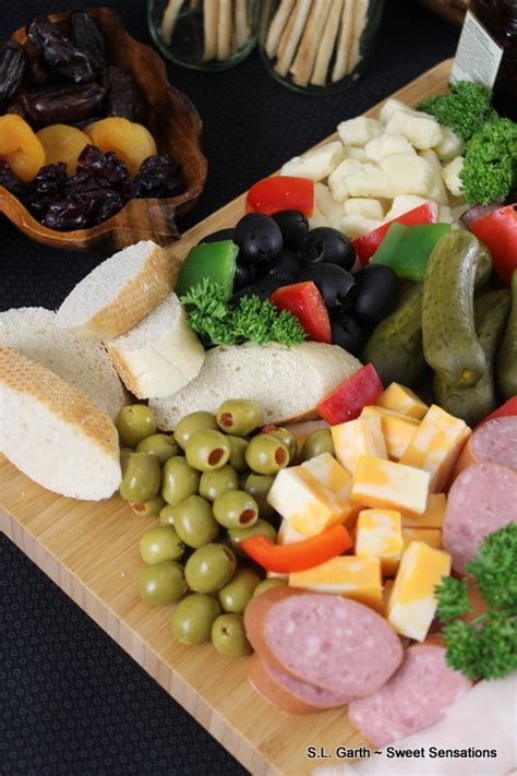 Beautiful Gifts for Mom   Charcuterie Board