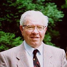 Sir_Fred_Hoyle