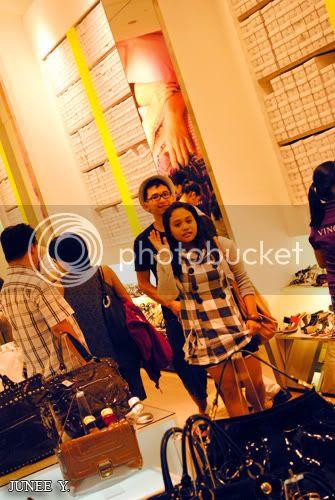 http://i599.photobucket.com/albums/tt74/yjunee/blogger/DSC_0990.jpg?t=1255343437
