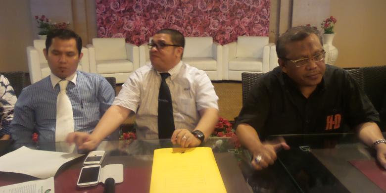 Hasil gambar untuk razman nasution foto bersama dengan Eggi Sudjana