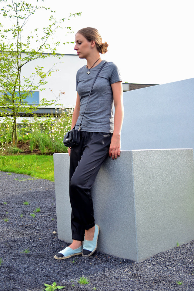 h&m trend silk trousers shiny asos diy espadrilles chanelespadrilles inspired fashion blogger turn it inside out belgium belgie bilzen black grey