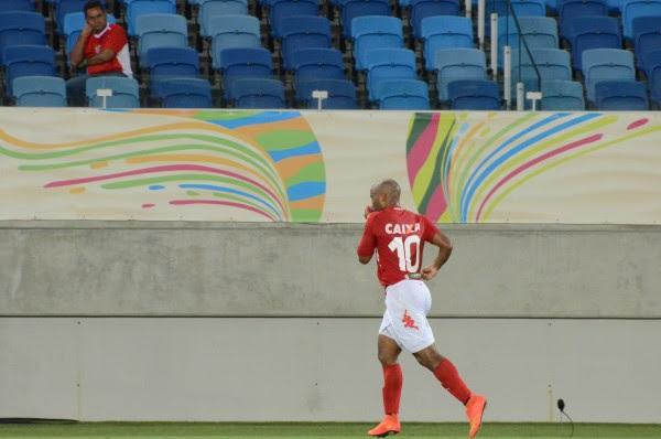 Cascata marcou gols nas estreias do América no Campeonato Potiguar e na Copa do Nordeste