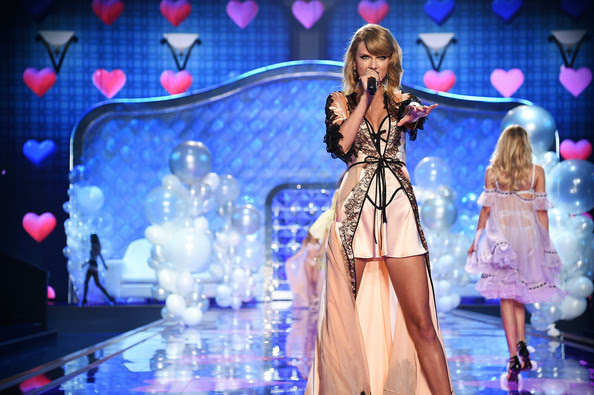 Taylor Swift Takes the Stage