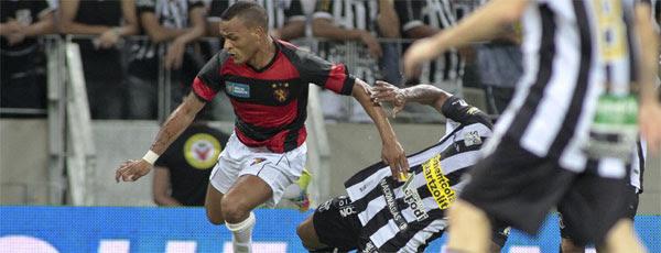 Time rubro-negro tomou sustos no primeiro tempo, mas cresceu na etapa final da partida (JARBAS OLIVEIRA/ESTADÃO CONTEÚDO)