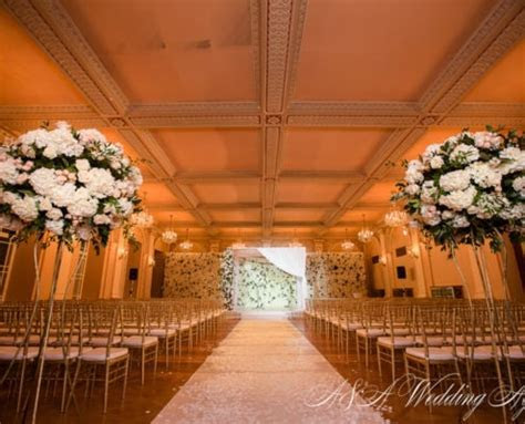 Ilona & Julien in the Zofin Palace   A&A Wedding Agency