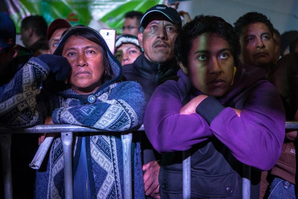 Habitantes de Texcoco en el mitin de Delfina Gómez.