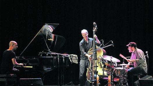 SolistaHoenig dio un recital para batera acompaada/ Mario Quinteros