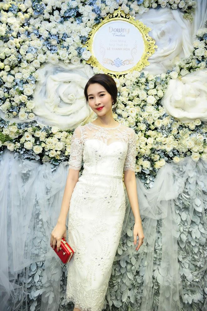 Đúng là chỉ có những thiết kế của Lê Thanh Hòa mới giúp Thu Thảo tỏa sáng - Ảnh 9.