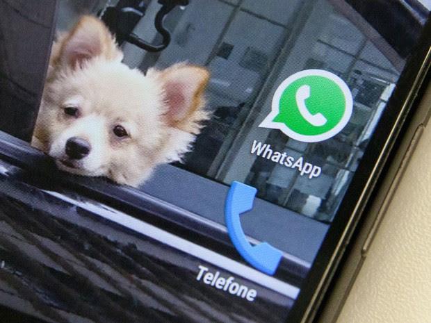 Ícone do Whatsapp, um dos aplicativos de conversa mais populares do mundo, é visto na tela de um smartphone (Foto: Fábio Tito/G1)