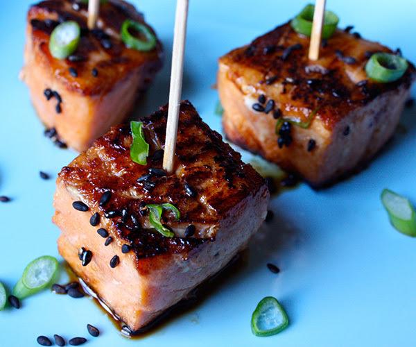 Teriyaki salmon bites