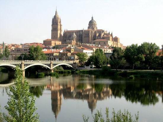 http://www.arqhys.com/arquitectura/fotos/arquitectura/Arquitectura-de-Salamanca.jpg