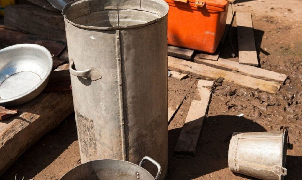Bombas não detonadas encontram uso diário nas aldeias do Laos 06
