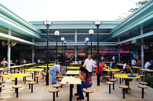 Alfresco dining at Pasir Panjang Food Centre