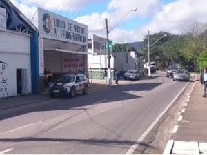 Loja onde ocorreu o crime nesta terça em Atibaia (Foto: Lucas Rangel/ TV Vanguarda)