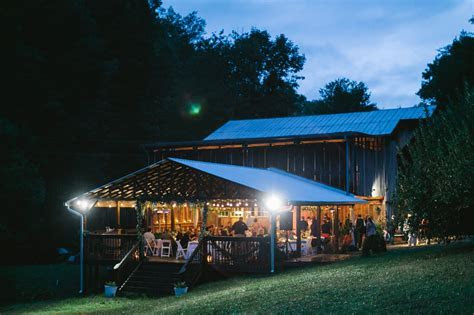 Enchanted Valley Barn   Sevierville TN   Rustic Wedding Guide
